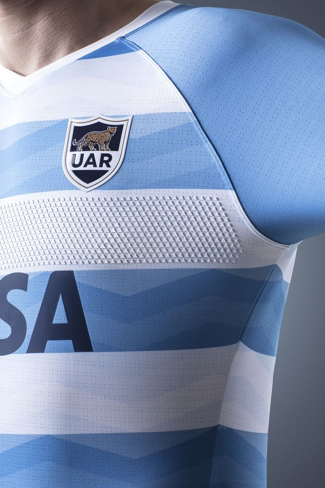 18bfca525 Review  Argentina Pumas 2018 18 Nike Home   Alternate Shirts – Rugby ...